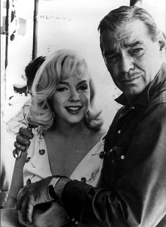 """Marilyn Monroe and Clark Gable on the set of """"The Misfits"""", 1960"""