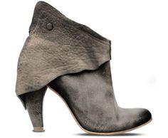 Grey boots. Fall/winter shoes. Women fashion