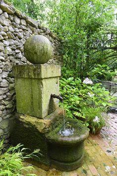 30 Beautiful Garden Fountain Ideas Home Decor Journal Garden Water Fountains, Water Garden, Water Features In The Garden, Garden Features, Landscape Design, Garden Design, Garden Sink, Garden Waterfall, Ponds Backyard