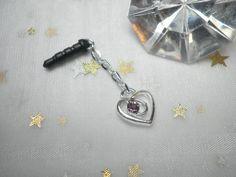 Süßes Herzchen Anhänger Handystöpsel Staubschutz für den kopfhöreranschluß am handy von Funny-Pen auf DaWanda.com