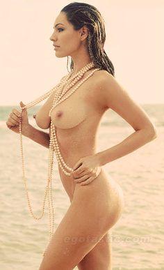 kelly-brook-nude-beach-01.jpeg (500×820)