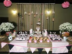 Festa com KIT UNALU Table Decorations, Blog, Furniture, Home Decor, Party, Home Furnishings, Home Interior Design, Decoration Home, Home Furniture
