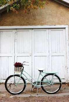 Mint Spray Paint Job | 20 DIY Ways To Pimp Your Bike