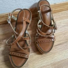 ♡American Eagle rope wedge strappy sandal shoes 6♡ American Eagle Outfitter rope wedge strappy sandals shoes in tan brown! =) Gently worn just a few times! So cute and comfortable! Perfect for spring ♡ American Eagle Outfitters Shoes Wedges