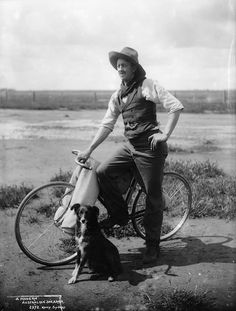 Cyclists 'round the world, via Totten Totten Krentz Here: Australian sheep-shearer, ca 1900 Blue Merle, Australian Shepherd Training, Australian Shepherds, Australian Sheep, Australian Bush, Border Collie Art, Bicycle Pictures, Husky, Contemporary Museum