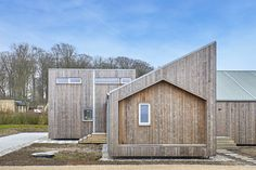 Designed by Een Til Een in Middelfart, The Biological House combines advanced digital manufacturing technology with upcycled agricultural products.