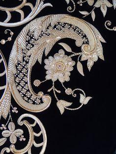 Diseño Jose Manuel Cosano, (Puente Genil) Bordado en oro sobre terciopelo negro.