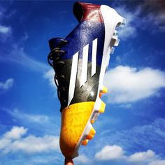 COM is the best soccer store for all of your soccer gear needs. Shop for soccer cleats and shoes, replica soccer jerseys, soccer balls, team uniforms, goalkeeper gloves and more. Soccer Gear, Soccer Cleats, Soccer Ball, Adidas Soccer Boots, Football Boots, Soccer Store, Team Uniforms, Adidas Fashion, Uefa Champions League