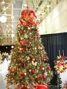 Red, silver and gold Christmas tree