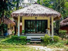 $35 a night gets you a beach front bungalow at the Nature Beach Resort at Koh Chang, Thailand! | Tieland to Thailand