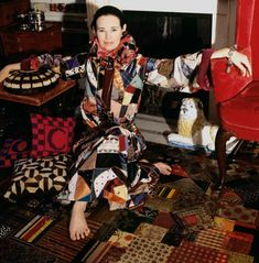 This is totally how I want to spend my days when I retire, matching my outfits with my floor, à la Gloria Vanderbilt, shot by for in . Anderson Cooper, Richard Avedon, Gloria Vanderbilt, Fashion Images, Red Fashion, Vintage Fashion, Art Photography Portrait, Fashion Photography, Poor Little Rich Girl