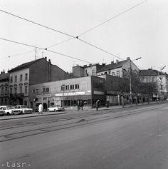 Rok 1981: Otvorili podchod na Mierovom námestí v Bratislave Bratislava, Street View