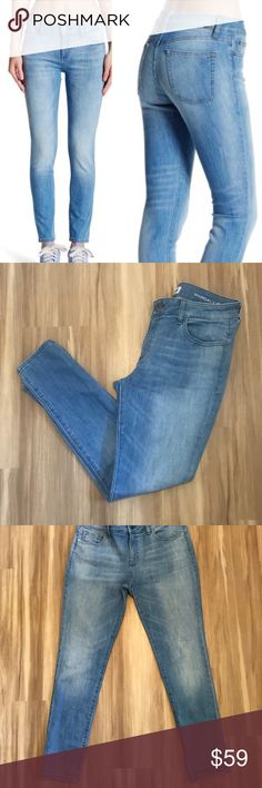 "DL 1961 Margaux Instasculpt Skinny Jeans In Spencer Wash (light wash). Size 29. In very very good used condition-minor wear on seam in between legs. 85% cotton/14% polyester/1% lycra.  Approximate Measurements (laying flat):  Waist: 16""  Inseam: 27.5""  Rise: 9.5"" DL1961 Jeans Skinny"
