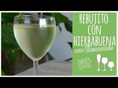 Rebujito con hierbabuena con Thermomix - YouTube Canal E, White Wine, Alcoholic Drinks, Glass, Youtube, Food, Soft Drink, Sevilla, Beverages