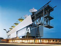 NOAA Satellite Operations Facility   Suitland, Maryland   Morphosis Architects   photo © Raimund Koch