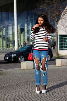 """Well after a chilly weekend, i am starting my week with my new blog post. Its about an outfit """"distressed jeans and stripes"""". Stripes are absolutely my favorite this days, because it is easy to mix and match.Distressed jeans are as always an eye catcher.   #destressed jeans #distressed jeans #stripes"""