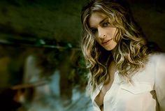 Já viu a Grazi Massafera na capa da Marie Claire de janeiro?