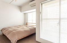 シンプルなつくりで、造作家具はない。将来的に2部屋に分けられるように入り口は2箇所設けました。  #I様邸検見川浜 #寝室 #ベッドルーム #サイザル麻 #インテリア #EcoDeco #エコデコ #リノベーション #renovation #東京 #福岡 #福岡リノベーション #福岡設計事務所 Mattress, Room, Furniture, Home Decor, Bedroom, Decoration Home, Room Decor, Mattresses, Rooms