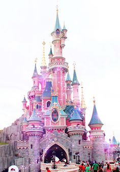 Ideas For Wallpaper Iphone Disney Pink Minnie Mouse Disney Parks, Disney Pixar, Deco Disney, Walt Disney World, Disney Magie, Minnie Mouse, Pink Minnie, Pinturas Disney, Disney Kunst