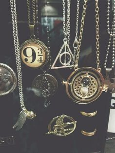 necklace jewels hunger ganes harry potter time turner mockingjay 9 3/4 katniss everdeen