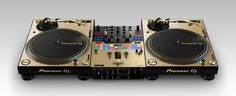 Limited edition: turntable & mixer for Serato DJ available in gold - News - Pioneer DJ News Dj Rig, Dj Packages, Dj System, Gold News, Digital Dj, Serato Dj, Limited Edition Packaging, Dj Setup, Pioneer Dj