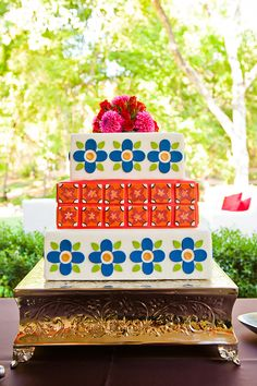 A Spanish tile wedding cake | Photo by Cory Ryan