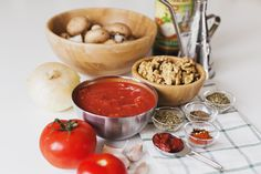 """Meet our spicy wholesome take on a great italian classic: a Mushroom & Walnut """"Bolognese"""" that requires only natural, plant-based ingredients. It is so delicious and flavourful we usually devour it in less than the blink of an eye! Chicken Diet Recipe, Diet Soup Recipes, Veggie Recipes, Vegetarian Recipes, Cooking Recipes, Veggie Meals, Veggie Food, Veggie Dishes, Vegan Bolognese"""