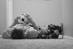 Veja 20 idéias de fotos pai e filhos para se inspirar e clicar em casa! Pra registrar a infância que passa tão rápido, e este amor que ninguém explica!