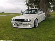 BMW E30 325i White
