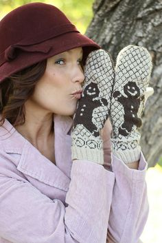 Ravelry: brown is the color    Gingerbread Men Mittens by Karen Juliano