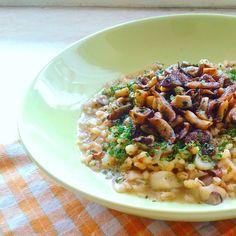 Mushroom Barley Risotto 🍄😋 /// Többen kértétek a tegnapi árparizottó… Barley Risotto, Pasta Salad, Stuffed Mushrooms, Diet, Ethnic Recipes, Instagram Posts, Blog, Crab Pasta Salad, Stuff Mushrooms