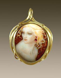 This is art, really. Stunning. | Larissa Podgoretz (Artist, Jeweller, Enamelist) http://larissaenamels.com/