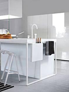 Matte&gloss white minimalist kitchen Minimal Kitchen, Modern Kitchen Design, Interior Design Kitchen, Interior Exterior, Kitchen Pantry, Kitchen Decor, Kitchen Ideas, Manhattan Kitchen, Kitchen Benches