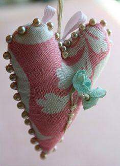 Valentine's Day Gifts……….see some great ideas for Valentine's Day gifts, home decor, jewelry and projects. My Funny Valentine, Valentine Crafts, Valentines Day, I Love Heart, Happy Heart, Soft Heart, Sewing Crafts, Sewing Projects, Baby Mobile