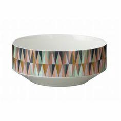 Ferm Livings Spear Schale hat ein grafisches Retro-Muster in belebenden Farbtönen. Kombinieren Sie diese Schale mit der Spear Vase im selben Design!