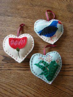 Kiwiana Vintage Hearts for sale on Trade Me, New Zealand's auction and classifieds website Felt Christmas Decorations, Felt Christmas Ornaments, Diy Christmas Gifts, Christmas Ideas, Diy Ornaments, Merry Christmas, Holiday Decor, Summer Christmas, Kiwiana