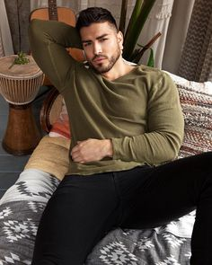 Handsome Arab Men, Handsome Boys, Beautiful Men Faces, Gorgeous Men, Men In Tight Pants, Hot Guys Tattoos, Dope Outfits For Guys, Outfits Hombre, Men Photography