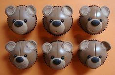 teddy bear cupcakes by Danni's cakes