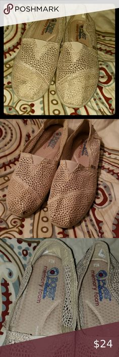 NWOT peach colored Skechers Cute, stylish slip on shoes with