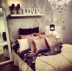 I need moree Throw Pillows!!!!!!!!!!!!!!!!!!!!!!!<3<3