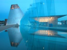 Museum of Glass in Tacoma, WA by Arthur Erickson Nick Milkovich Architects
