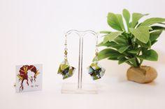 Boucles d'oreilles en origami en forme de cocotte jeux d'enfant verte à fleures : Boucles d'oreille par mellerouge