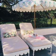 Scalloped loungers + market umbrella via Biscuit Home - Outdoor Outdoor Rooms, Outdoor Living, Outdoor Decor, Outdoor Lounge, Exterior Design, Interior And Exterior, Biscuit Home, Do It Yourself Design, Sun Umbrella