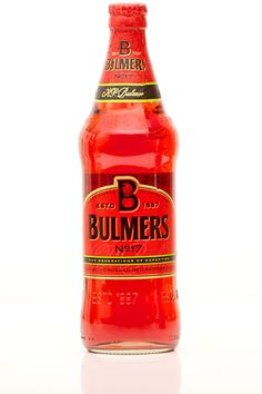 Bulmers Cider, Crushed Red Berries and Lime Drink Me, Food And Drink, Birthday Party Drinks, Wkd, Alcoholic Drinks, Cocktails, Drinks Cabinet, Red Berries, Yummy Drinks