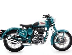 1956 Royal Enfield Clipper looked sharp in Indian Fire Arrow red. It's a 1956 Indian Fire Arrow, by Royal Enfield. Motorcycles In India, British Motorcycles, Cool Motorcycles, Vintage Motorcycles, Triumph Motorcycles, Royal Enfield Bullet, Enfield Motorcycle, Enfield Bike, Retro Motorcycle