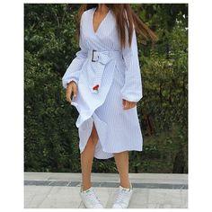 2016 Sonbahar Koleksiyonumuzdan #Pop aplik detayli kruvaze elbise • istenilen uzunluk ve olculerde calisilabilinecek olup düz beyaz ve cizgili secenenekleriyle gonderilebilir • kumasi %100 pamuktur  #shirt #dress #shirtdress #kruvaze #gomlek #elbise #fashion
