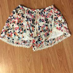 Cute shorts Never worn Shorts