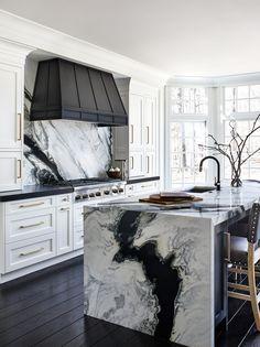 Home Decor Kitchen, Kitchen Interior, Home Interior Design, Home Kitchens, Custom Kitchens, Black Kitchens, Design Kitchen, Dream Home Design, House Design
