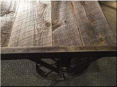 Loft asztalok - Antik bútor, egyedi natúr fa és loft designbútor, kerti fa termékek, akácfa oszlop, akác rönk, deszka, palló