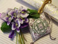 Ötletelő: Lavender Blossoms Fob